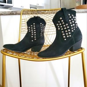 SCHUTZ   Studded Suede Ankle Boot   US 6